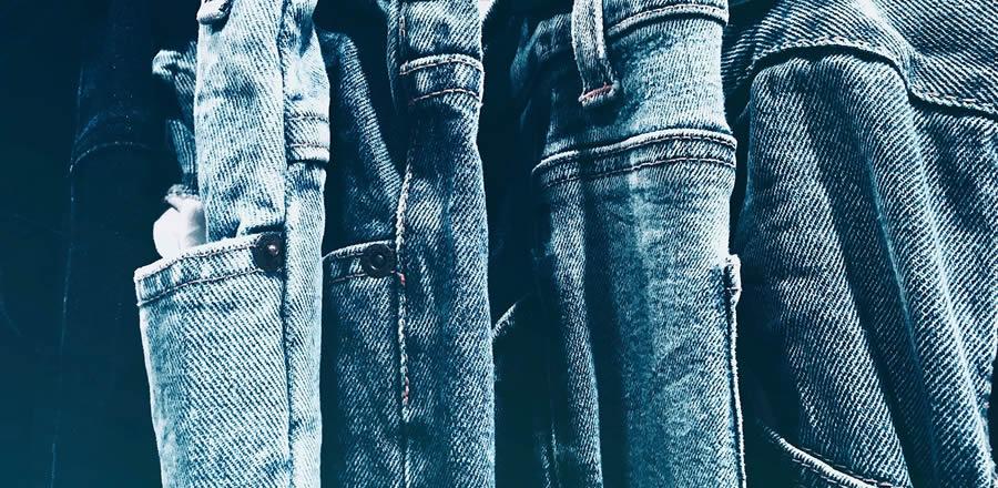 Quantas calças jeans posso colocar na máquina de lavar? Descubra!