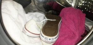 Pode secar tênis na secadora? Depende do tipo!
